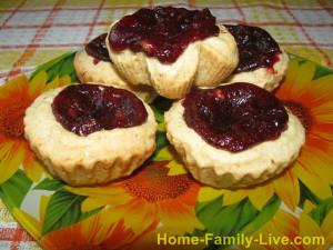 Песочное печенье с ягодной начинкой