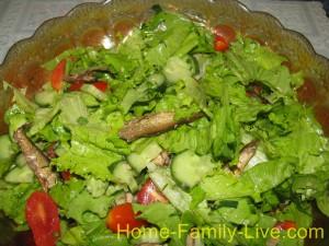 Салат из шпротами