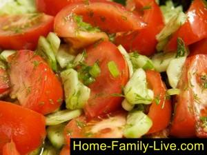 Салат с помидорами и огурцами