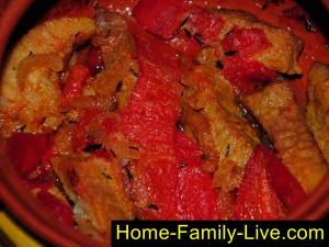 Запекать мясо в горшочках в духовке