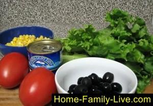 Продукты для салата с тунцом