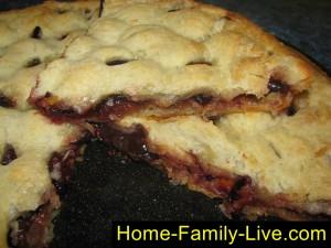 Пирог со сливой