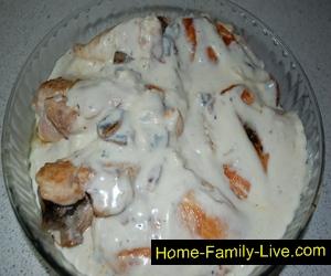 Грудка в сливочном соусе