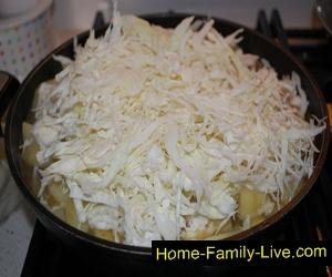 Капуста тушеная с картофелем и мясом