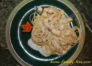 Морской гребешок в сливочно чесночном соусе