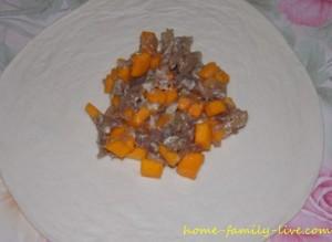 Самса с мясом и тыквой